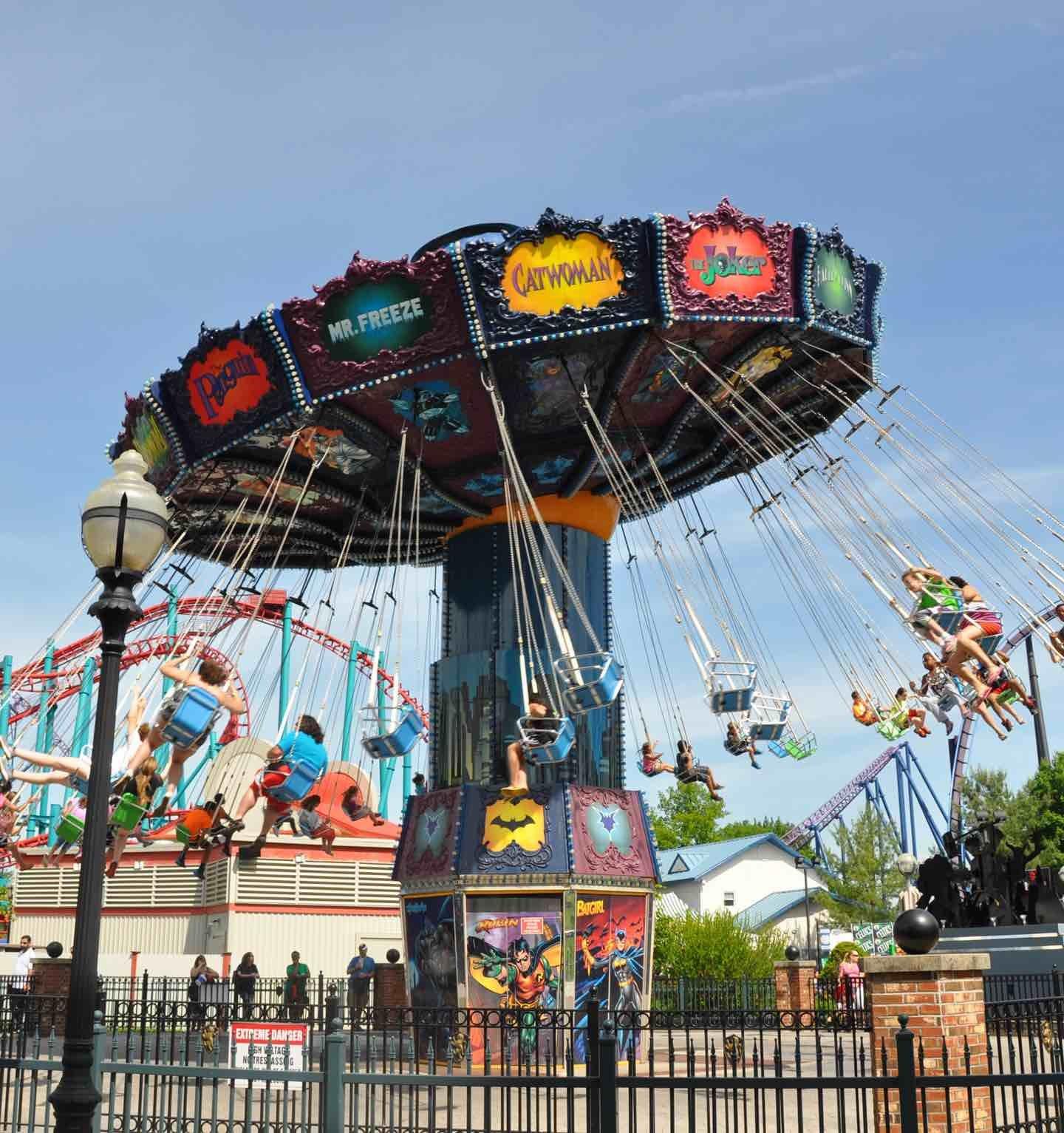 GOTHAM CITY™ Crime Wave | Six Flags New England