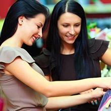 Sfne_shopping_retail-shopping-girls_220x220_0