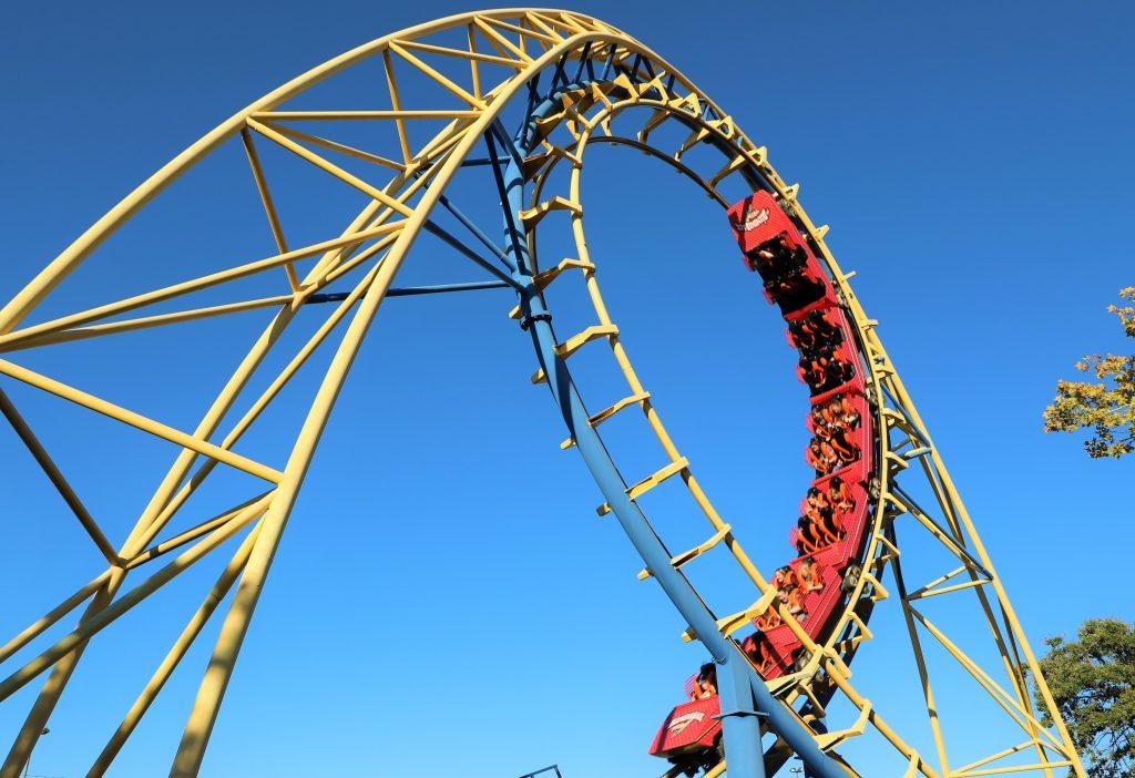 red-diamondback-cart-doing-loop
