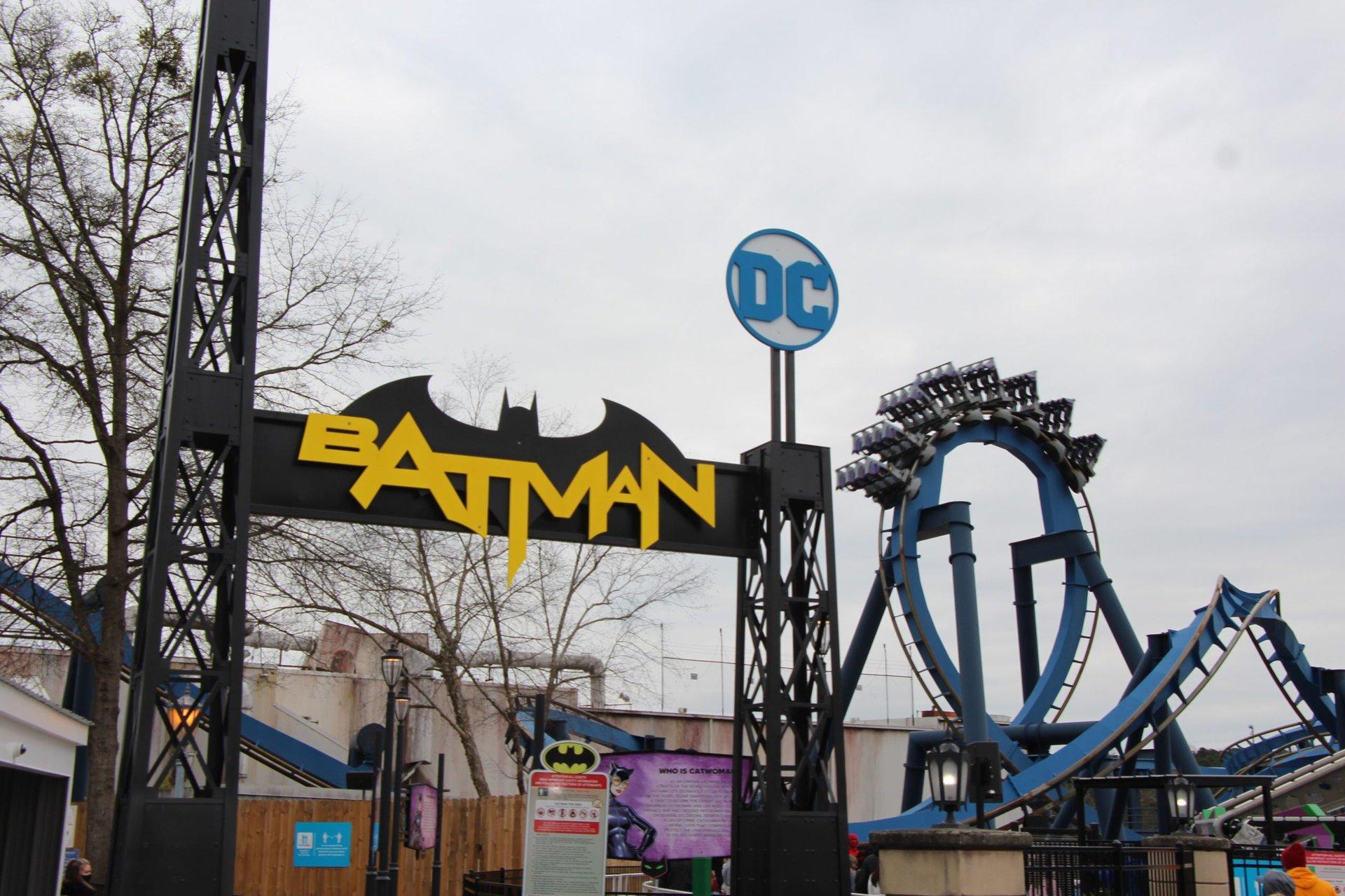 batman-the-ride-entrance-2021