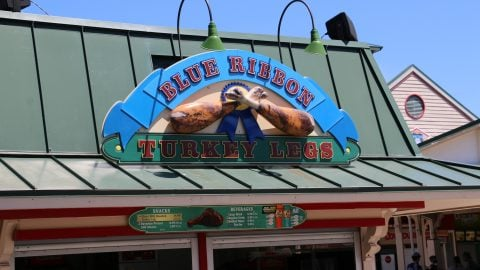 Sign for Blue Ribbon Turkey Legs at Six Flags