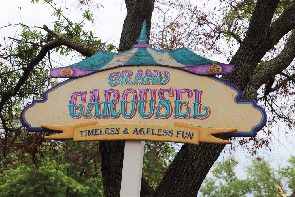 grand-carousel-