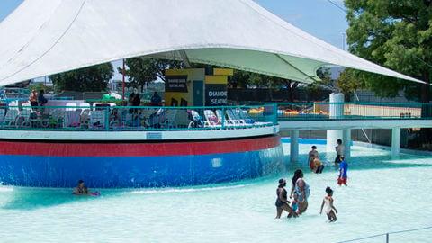 Suntan Lagoon at Hurricane Harbor Arlington