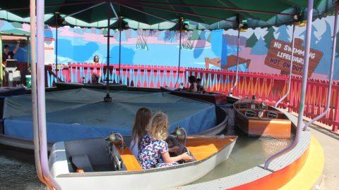 Kids enjoying Yahoo River at Six Flags