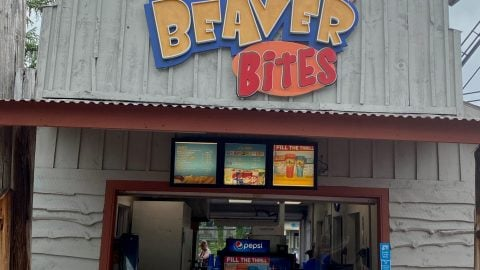 Outside of Itty bitty Beaver Bites at Six Flags