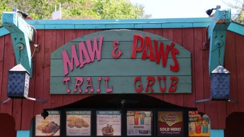 Maw and Paw's Trail Grub sign at Six Flags