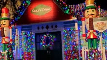 santa's house at six flags