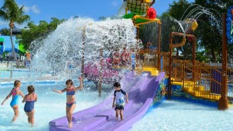 kids splashing at splashwater beach