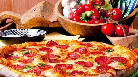 pizza served at hurricane harbor