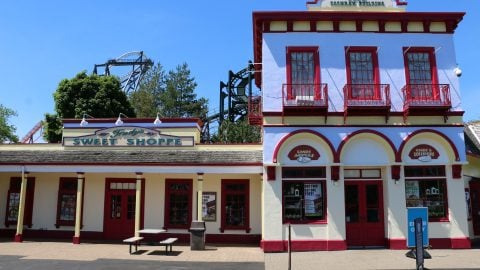 Trudys Sweet Shop Retail Front at six flags